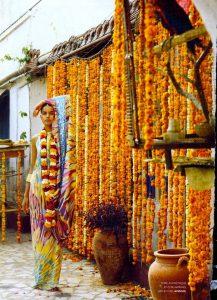 I _3 picking up local jewelry_staples INDIA